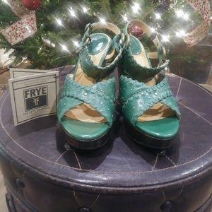 Frye Sage Green Piper X Strap Sandals Sz 10 NWT